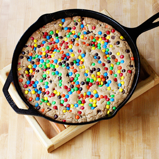 M&M Skillet cookie