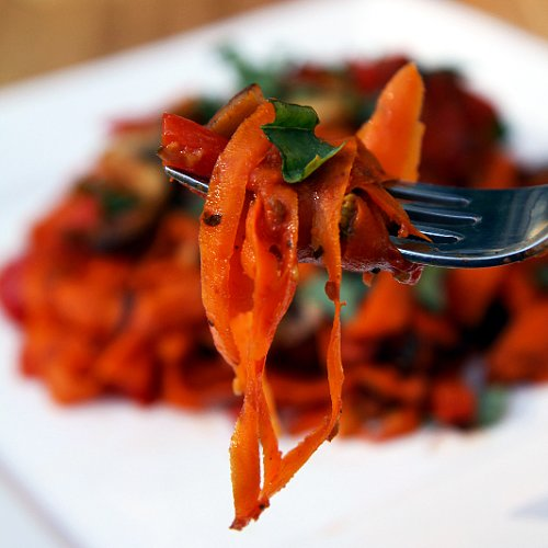 Paleo Vegan Dinner Recipes: Carrot Fettuccine With Mushrooms