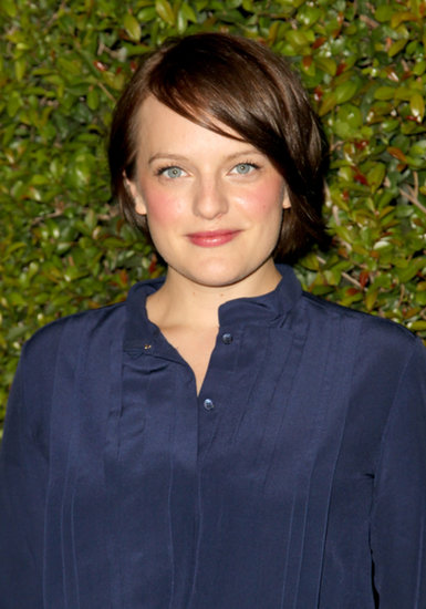 Elisabeth Moss played up her gorgeous skin tone with a healthy flush on her cheeks and lips.