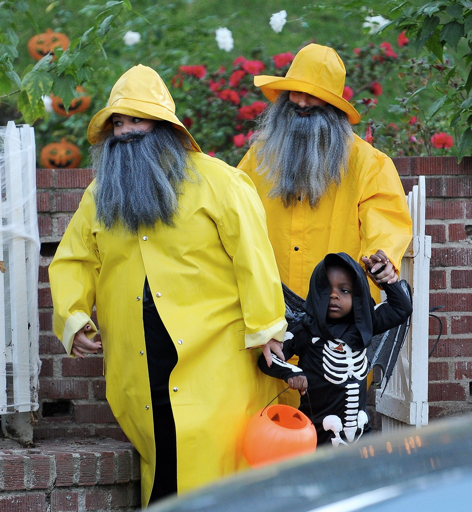 Sandra Bullock and Melissa McCarthy had matching fisherman costumes during their LA Halloween outing.