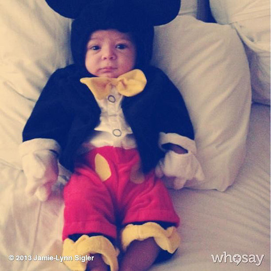 Jamie Lynn Sigler's son, Beau, celebrated his first Halloween as Mickey Mouse.  Source: Instagram user jamielynnsigler