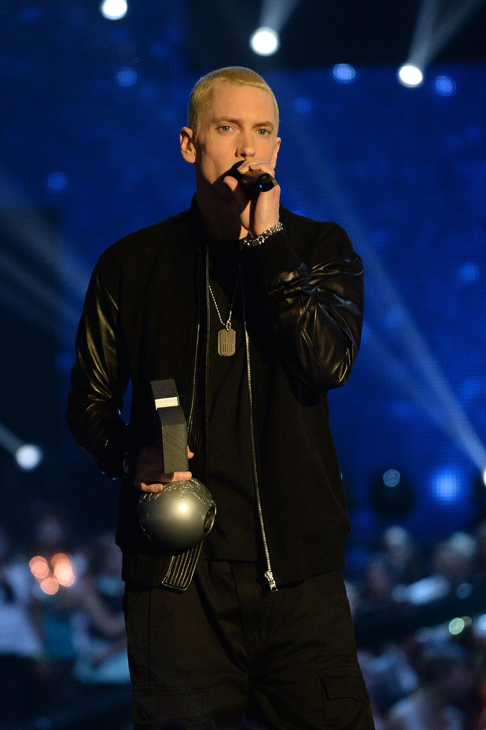 Eminem accepted the global icon award during the MTV EMAs.
