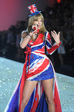 Taylor Swift performed two of her hits for the audience in two different ensembles.