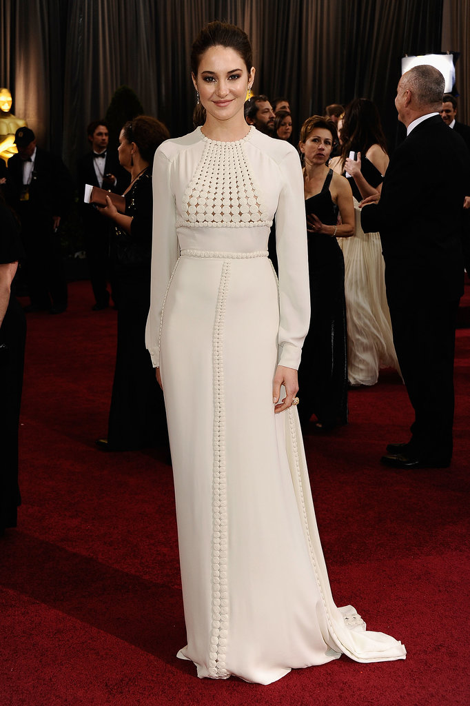 Graduating to grecian goddess status in a s-t-u-n-n-i-n-g Valentino gown for the 2012 Oscars.