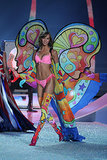4. Karlie Kloss put her legs on display in a colorful number.