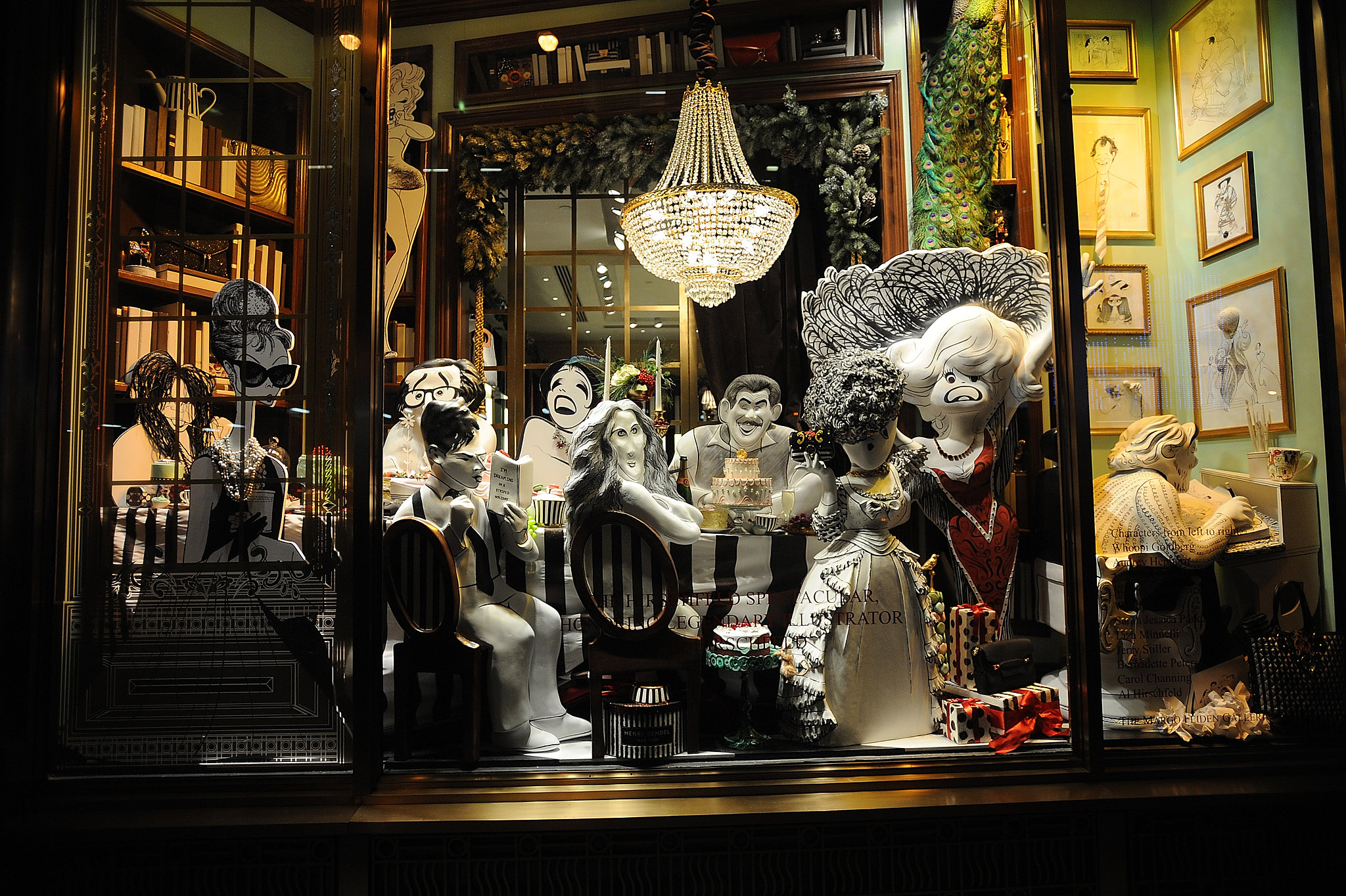 Henri Bendel shows an intimate dinner party in an eclectic home with ...