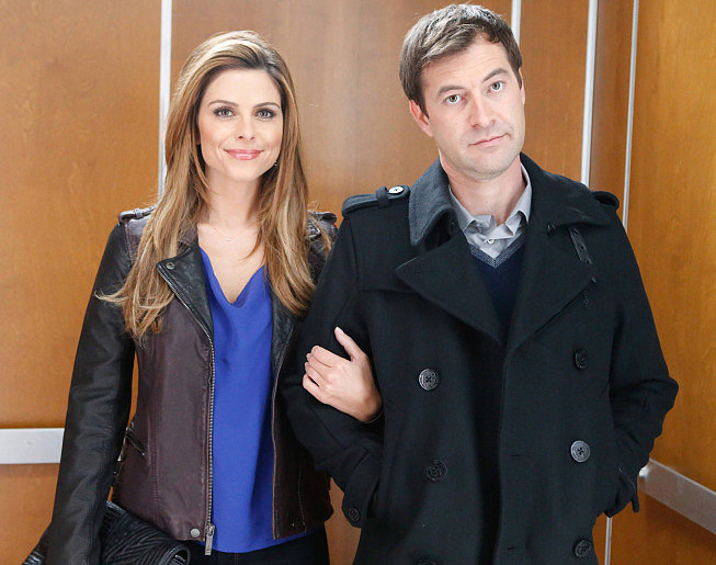 The Mindy Project Guest star Maria Menounos with Brendan (Mark Duplass).