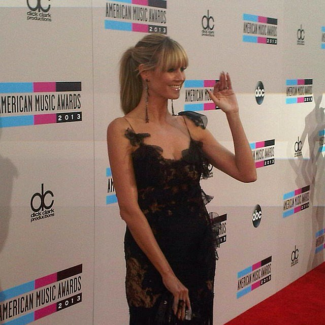 Heidi Klum gave a wave on the red carpet. Source: Instagram user heidiklum