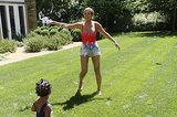 Beyoncé and Blue played with bubbles in the sunshine.  Source: Tumblr user Beyoncé