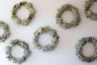 This Year's Easiest DIY Holiday Decor