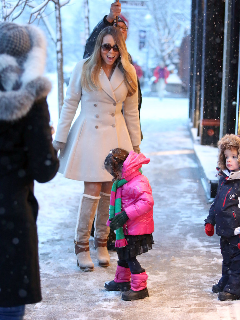 Mariah flashed a big smile at little Monroe.