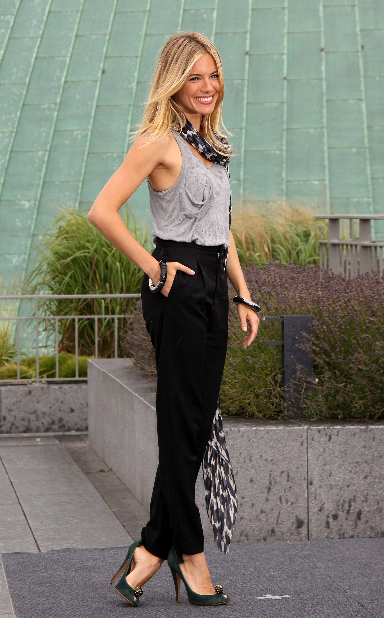 Sienna looked casual but put-together at the G.I. Joe: The Rise of Cobra photocall in July 2009.