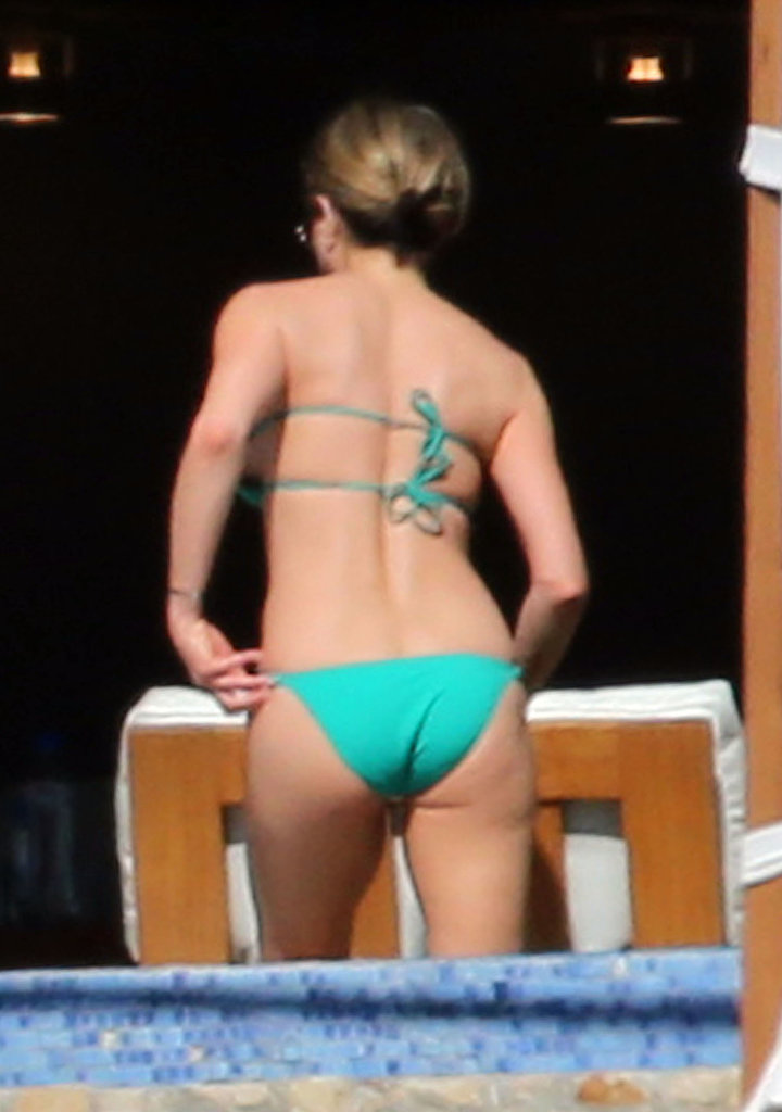 Jennifer broke out yet another bikini during her vacation.