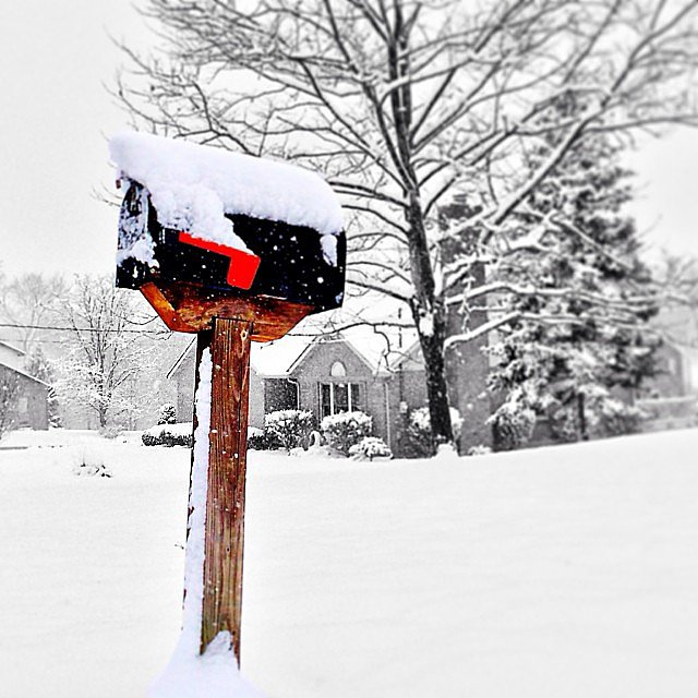 Don't forget: neither snow nor rain nor heat nor gloom of night will keep the mail away. Source: Instagram user k_d14