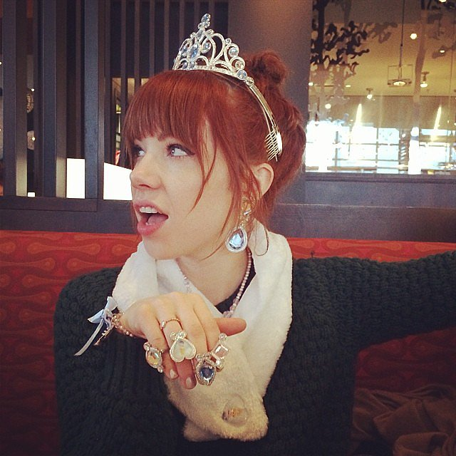 Carly Rae Jepsen showed off a pretty pretty princess look while having lunch with her family. Source: Instagram user carlyraejepsen
