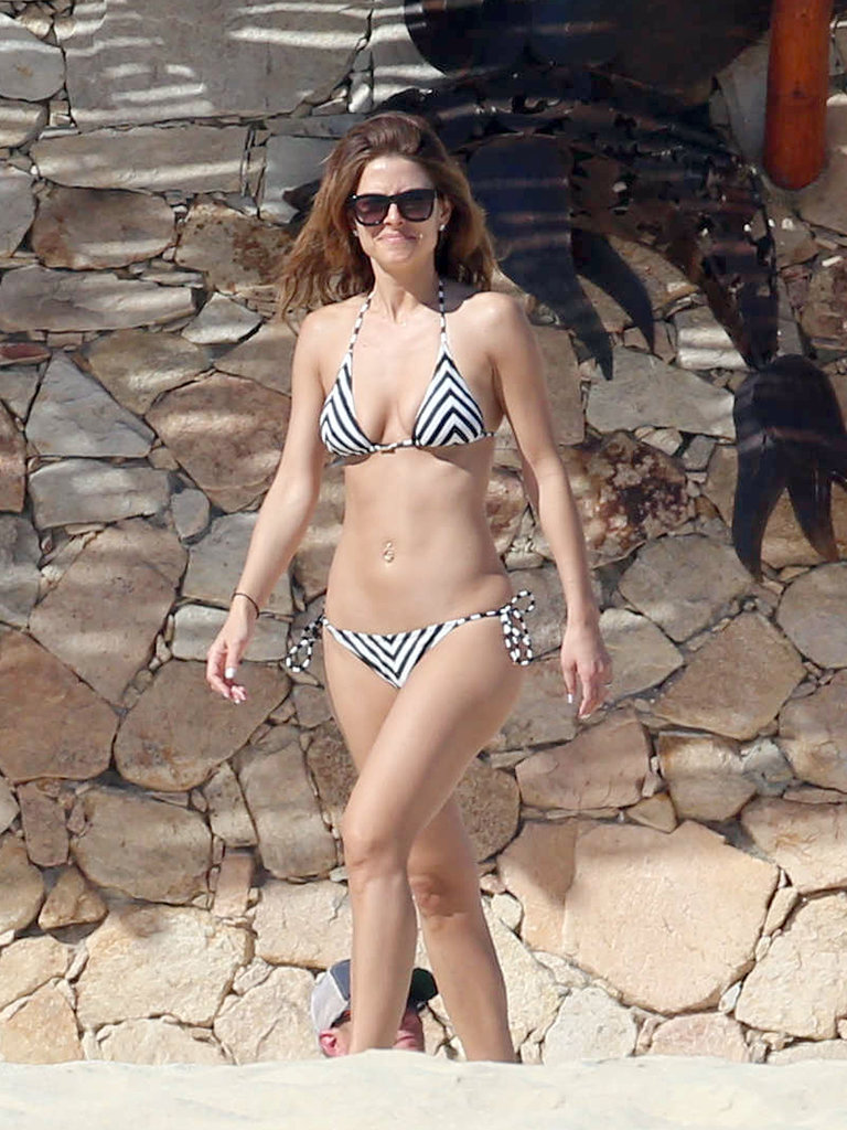 Maria vacationed in Mexico during a break from her TV show, Extra.