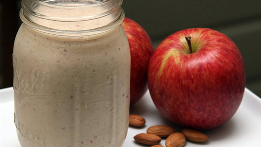 The Metabolism-Boosting Smoothie Jessica Simpson Loves!