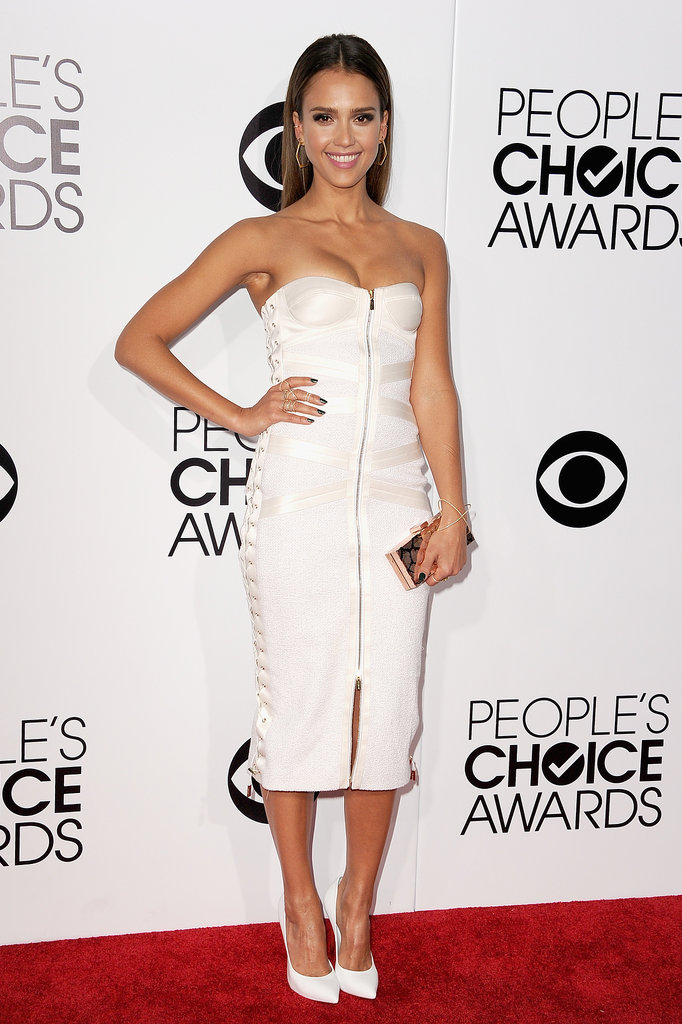 Jessica Alba made a glamorous return to the PCAs red carpet.