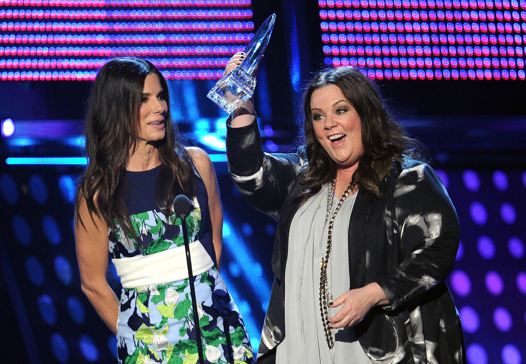 Melissa McCarthy and Sandra Bullock teamed up to accept an award.