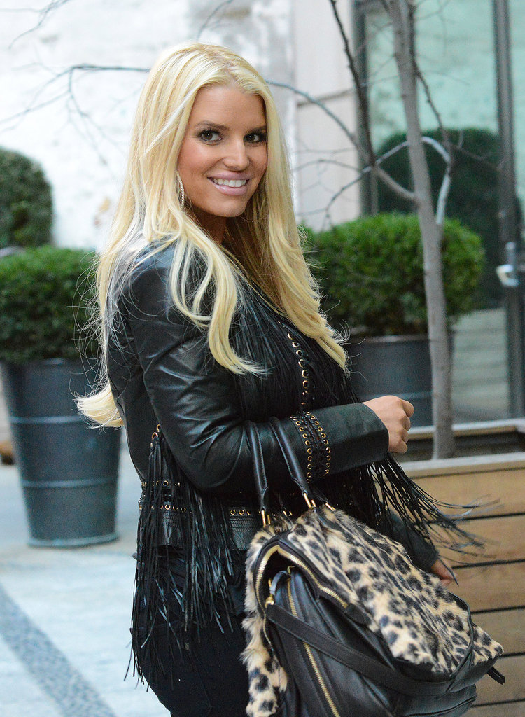 Jessica Simpson braved the cold in NYC on Tuesday and still kept a smile on her face.