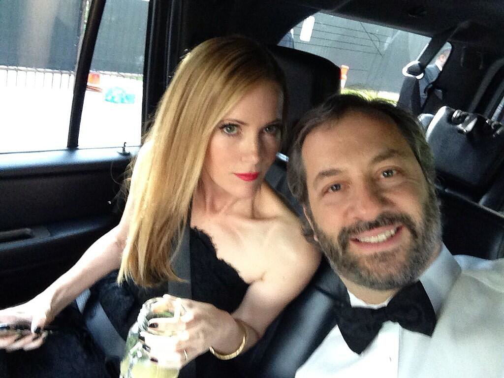 Judd Apatow snapped a car selfie alongside his wife, Leslie Mann. Source: Twitter user JuddApatow