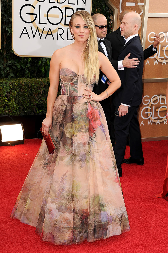 Kaley Cuoco Takes a Solo Trip Down the Red Carpet