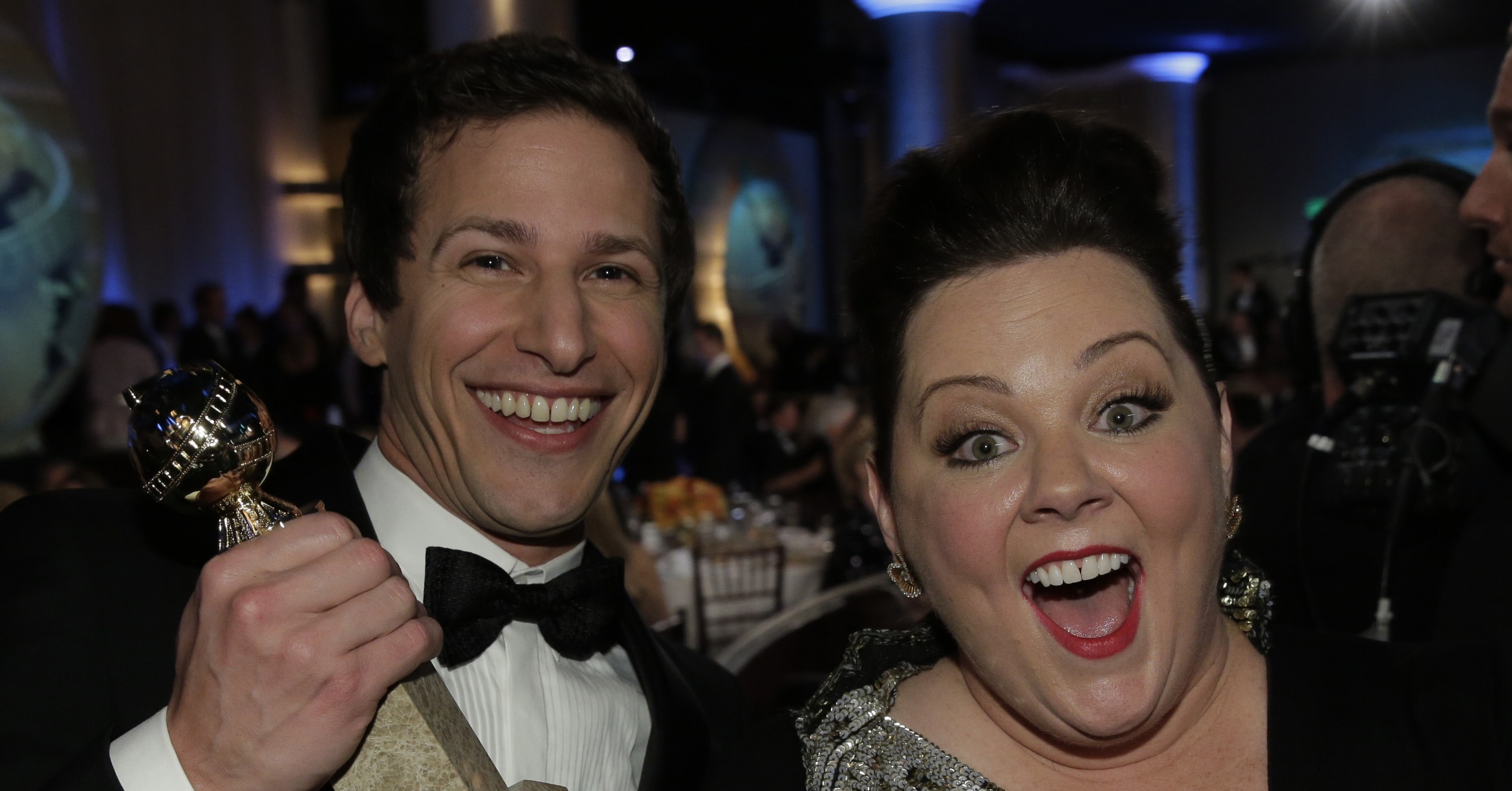 Melissa-McCarthy-helped-Andy-Samberg-celebrate-his-big-win.jpg