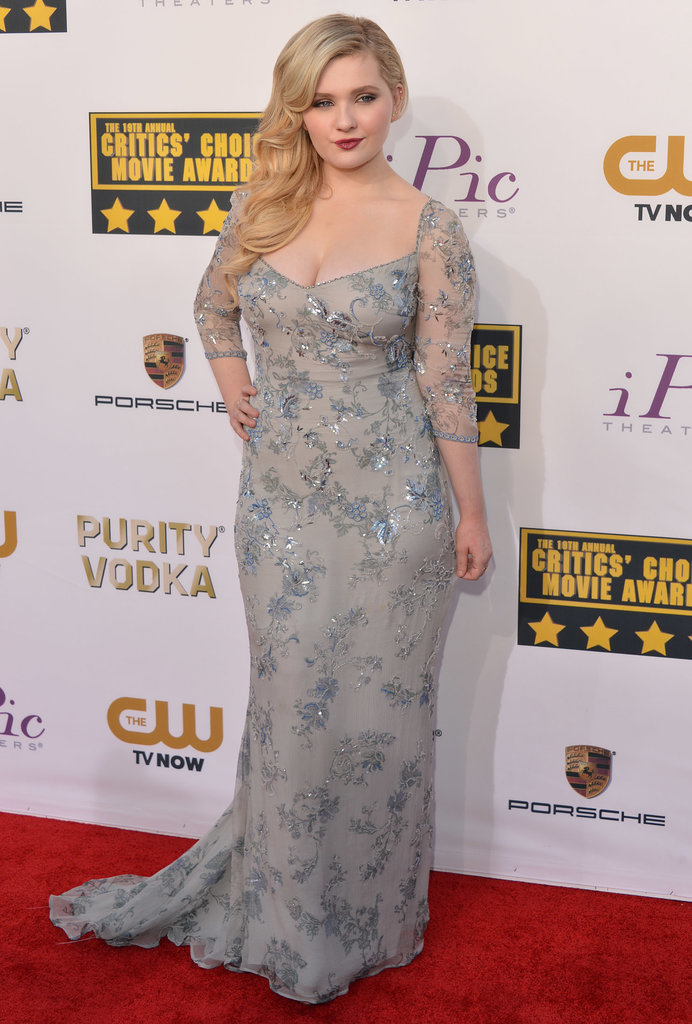 Abigail Breslin arrived in a sexy gown.