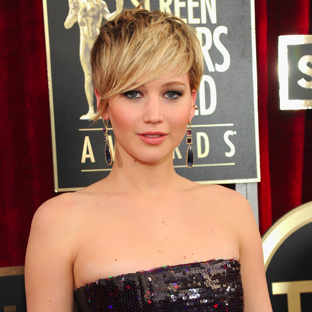 Jennifer Lawrence's Hair and Makeup at SAG Awards 2014