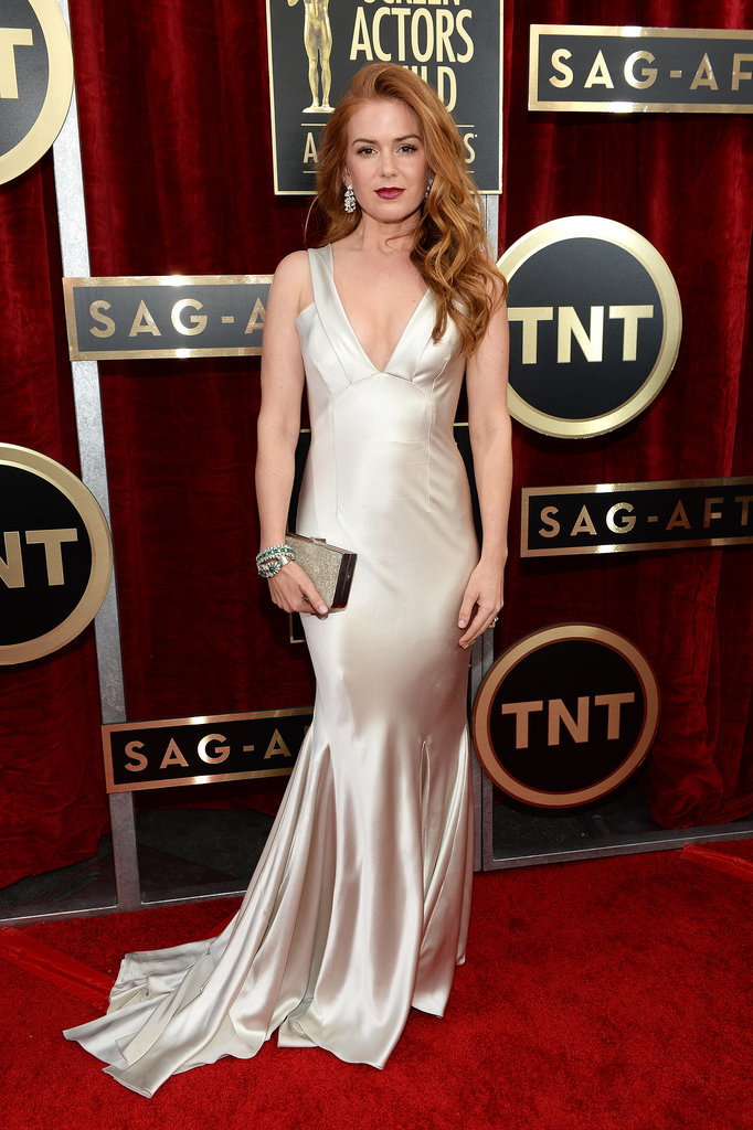 Isla Fisher's gown looked like liquid gold.