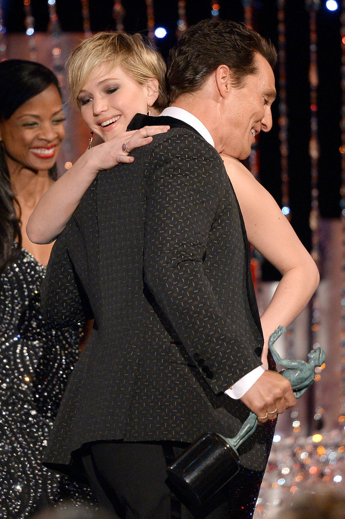 Jennifer hugged Matthew McConaughey after presenting him with his award for outstanding performance by a male actor in a leading role.