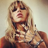 Suki Waterhouse showed off a dark manicure and a punk-rock hand chain. Source: Instagram user sukiwaterhouse