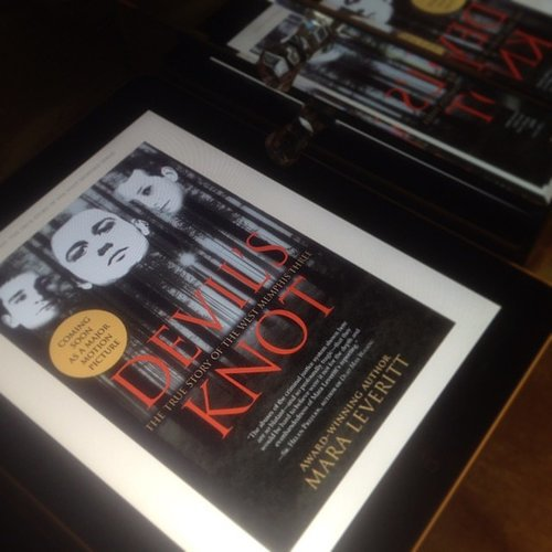 """I have never been so excited to read a book. Been a bit obsessed ever since I saw the documentary,"" wrote travelannestyle on Devil's Knot."