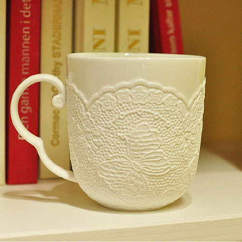 Image of [grzxy6900001]White Embossed Butterfly Flowers Sweaters Ceramic Mug Cup