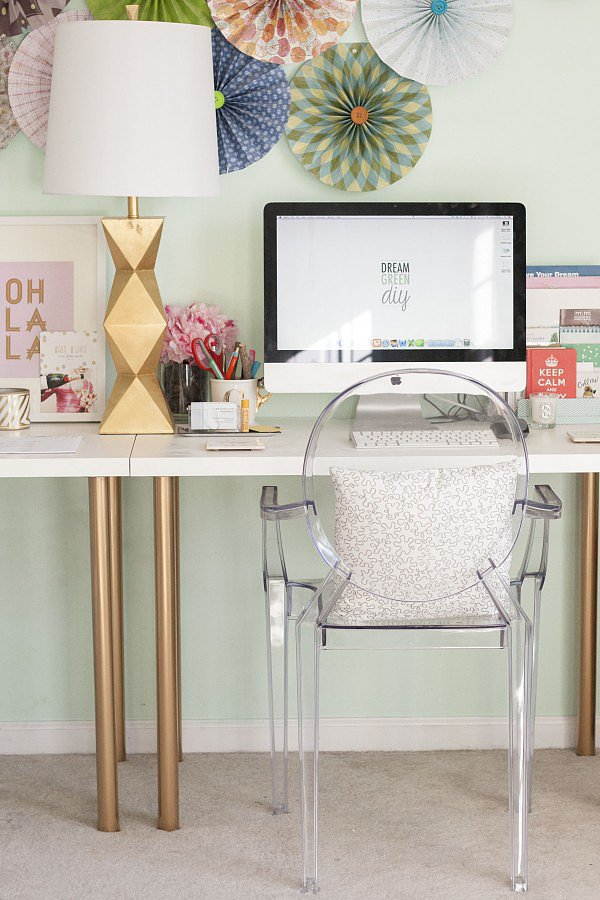 Gold makes everything better, especially in a DIY. With some spray paint, this Ikea desk got a metallic overhaul, providing the office with a cohesive look.  Source: Dream Green DIY
