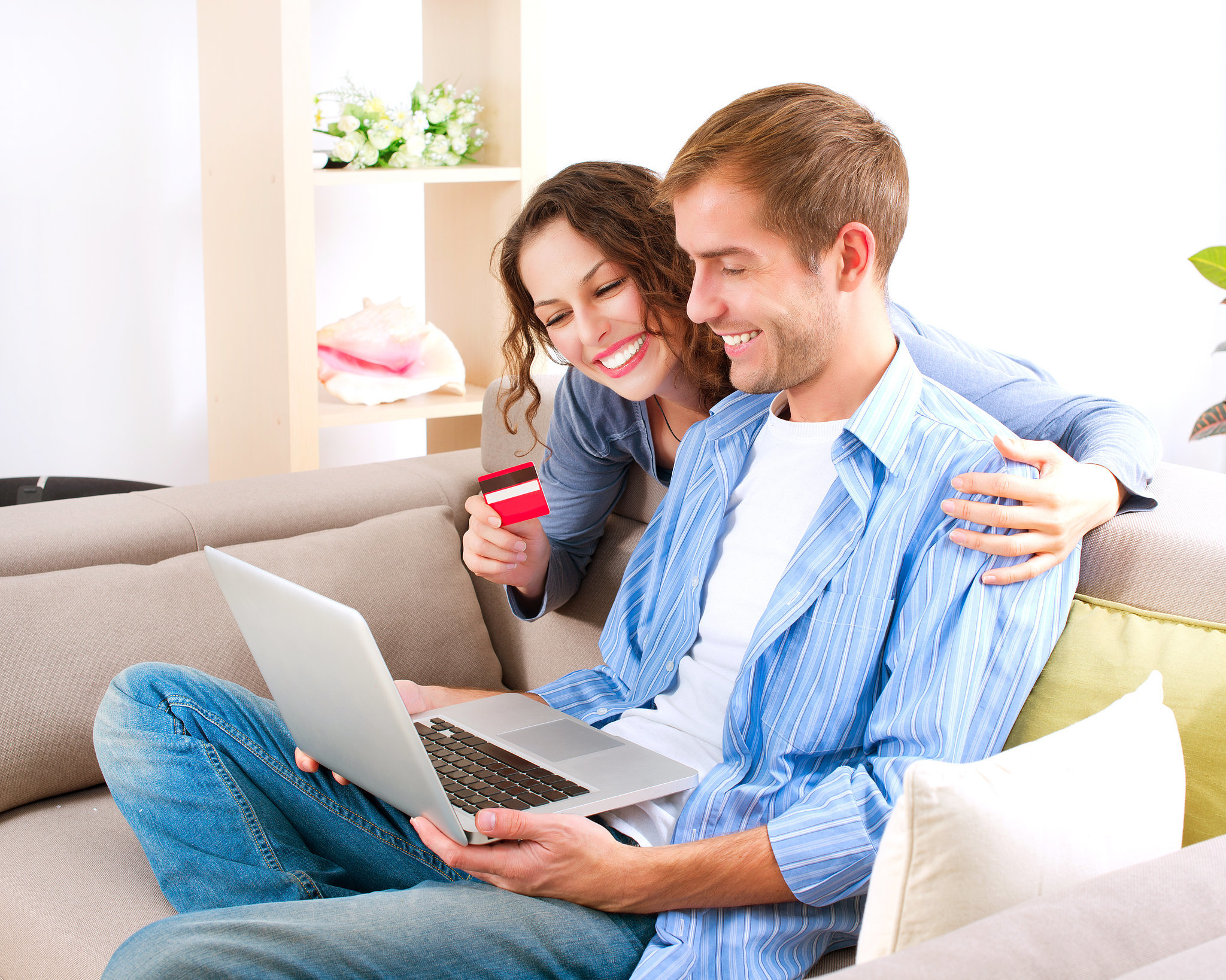 How to divide expenses as a couple popsugar smart living - Young couple modern homes ...