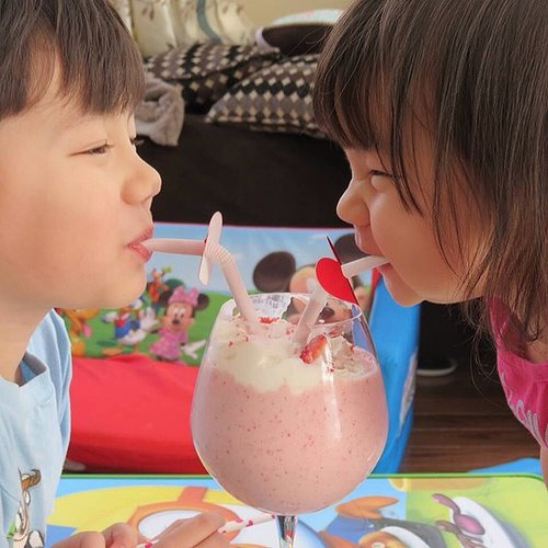 One Shake, Two Straws, Too Cute