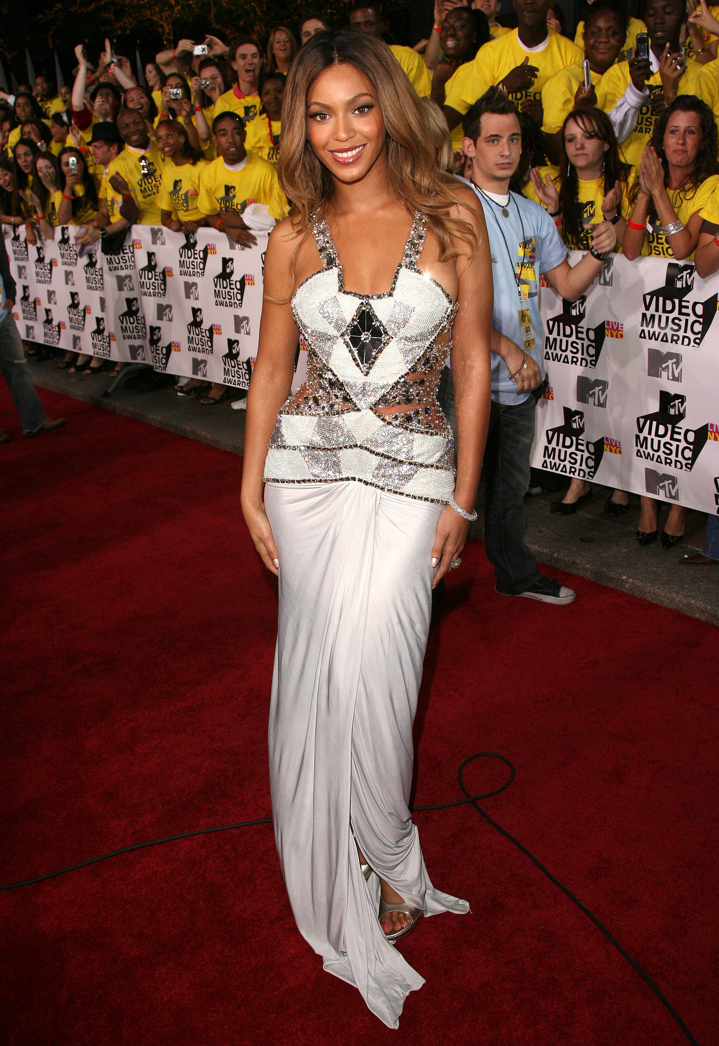 Beyoncé in Versace at the MTV Video Music Awards