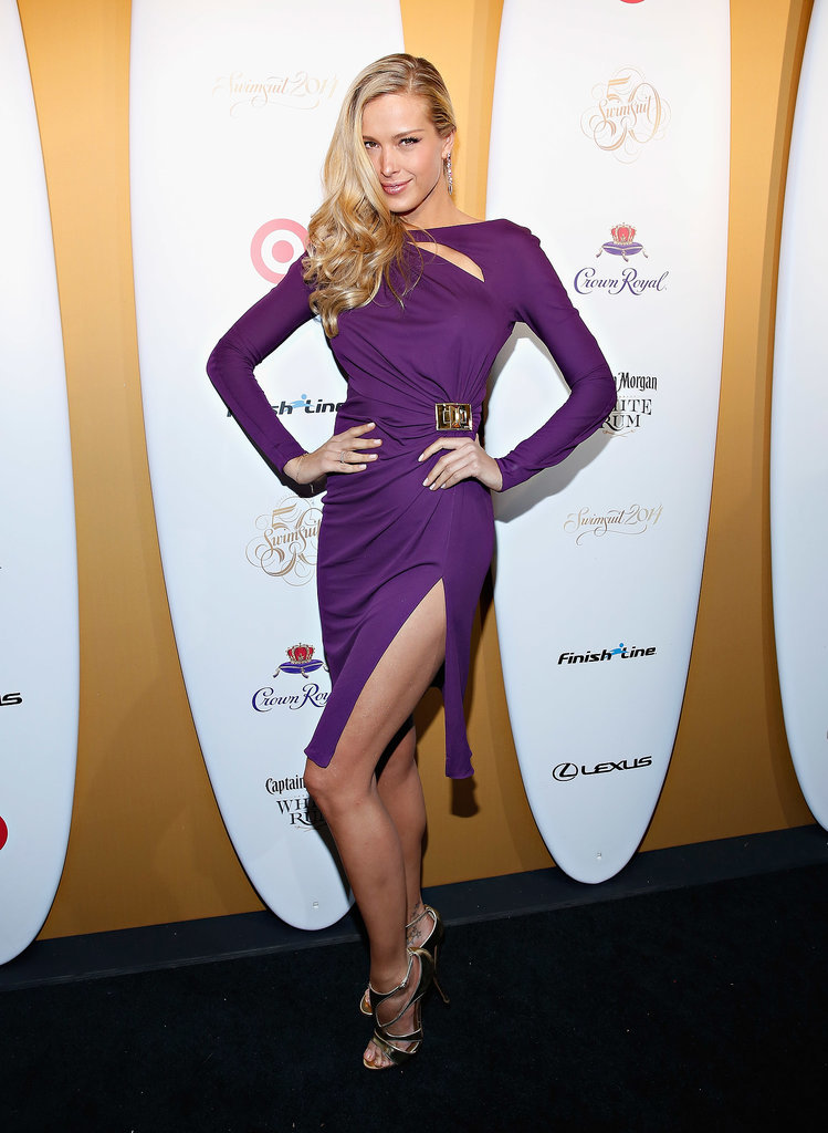 Petra Nemcova showed some leg.