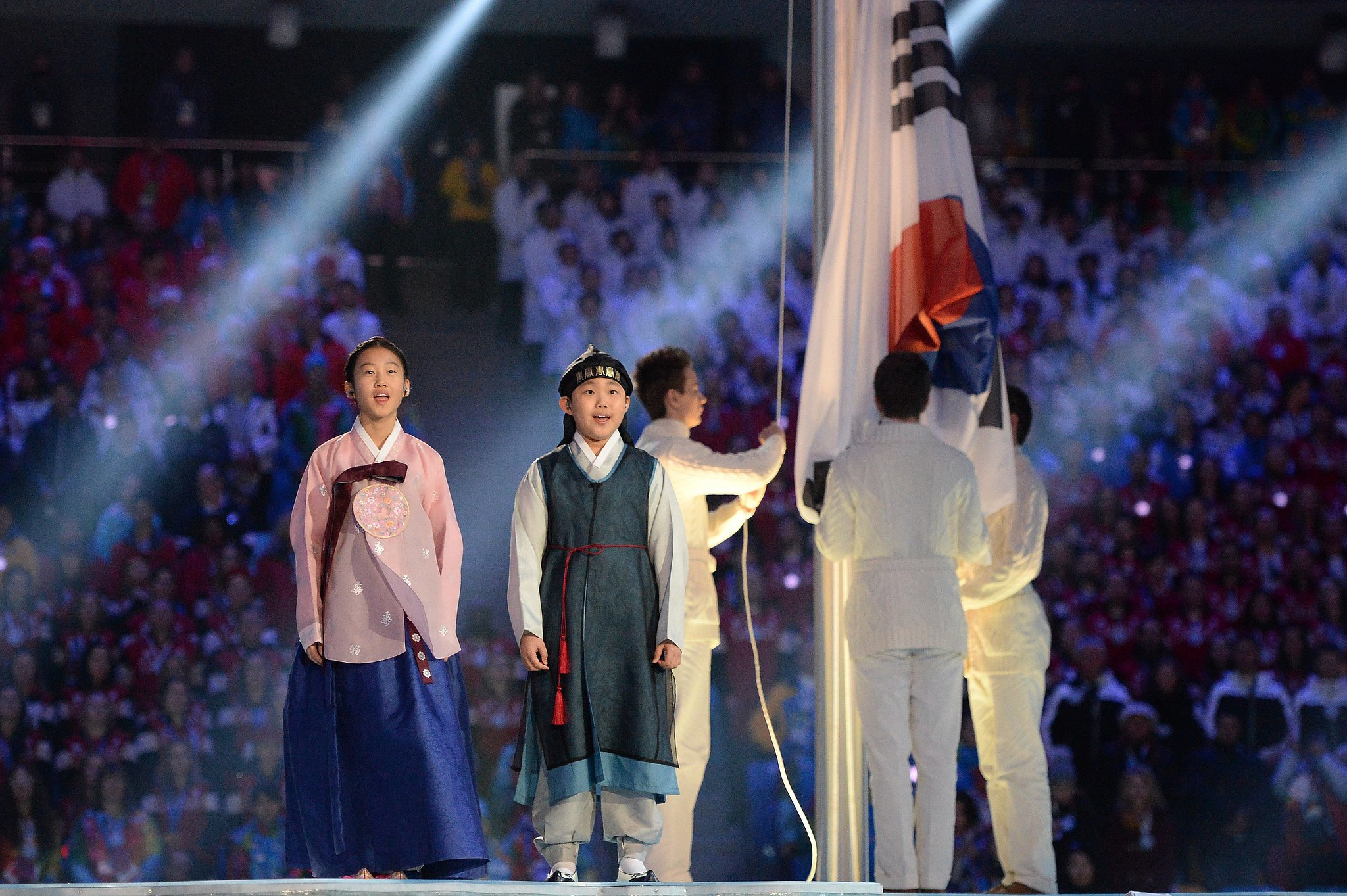 South Korean kids sang during the Pyeongchang performance.