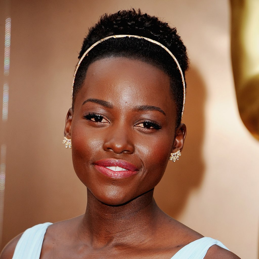 Lupita Nyong'o Hair and Makeup at Oscars 2014