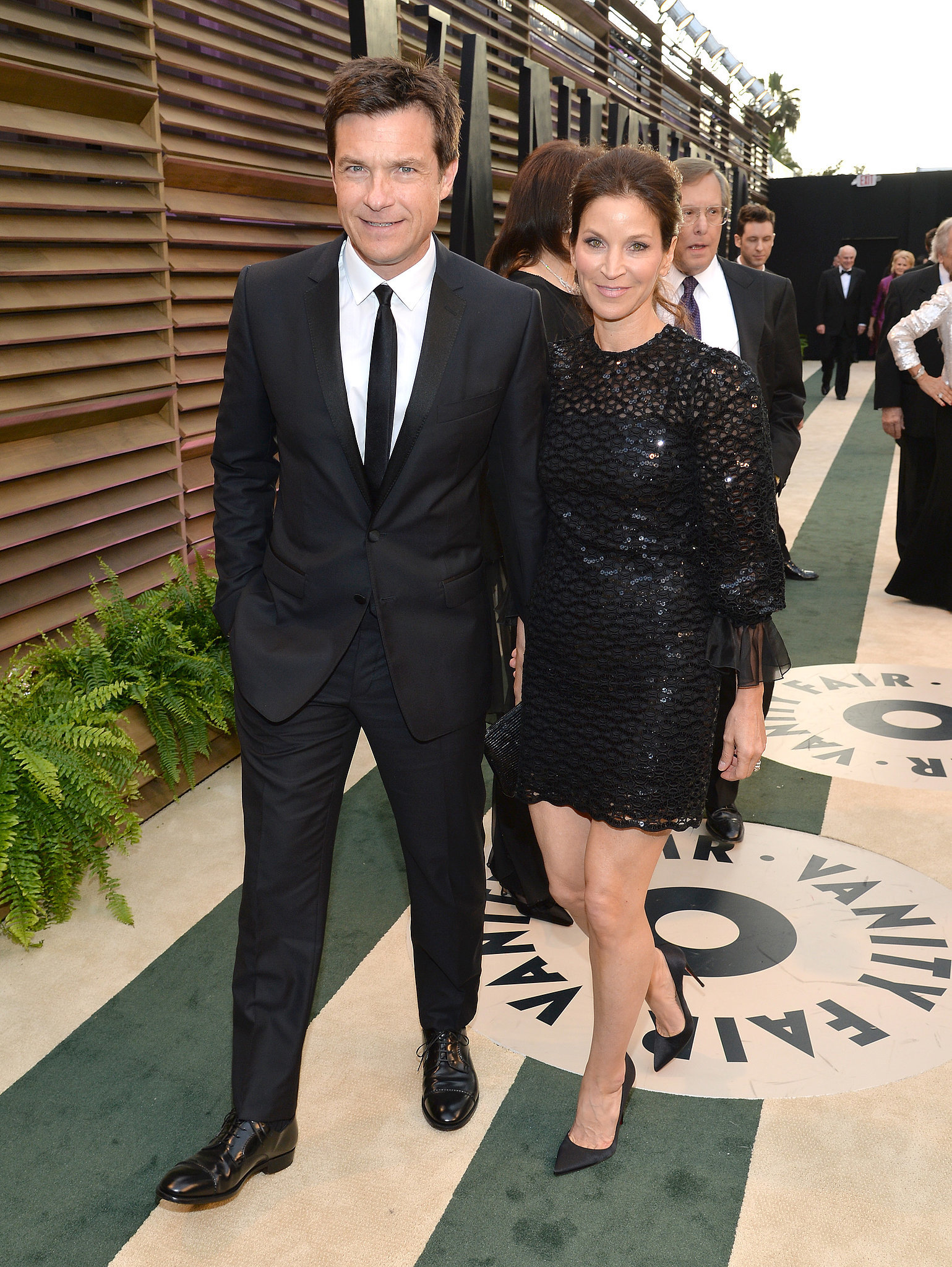 Jason Bateman and his wife, Amanda Anka, wore black.