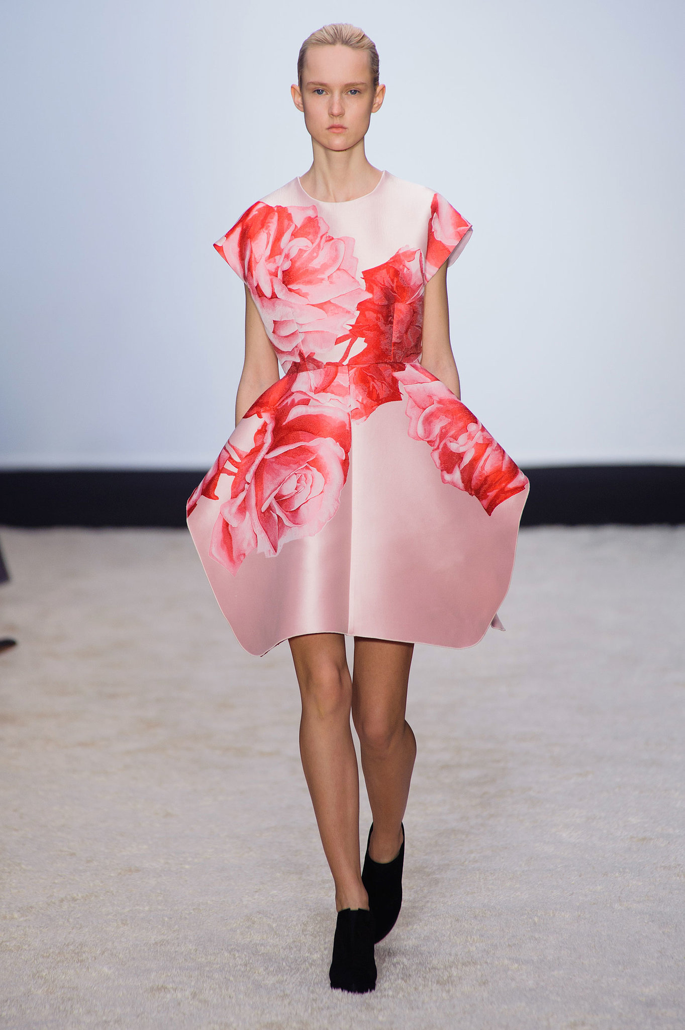 Giambattista Valli Fall 2014 Everything 39 S Coming Up Roses At Giambattista Valli Popsugar Fashion