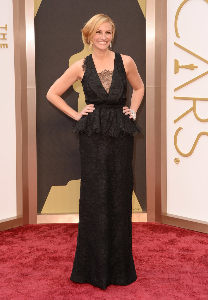 Julia Roberts chose a custom Givenchy gown for her walk down the Oscars red carpet.