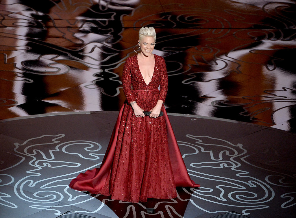 """Pink looked glamorous in red when she took the stage to perform """"Over the Rainbow."""""""
