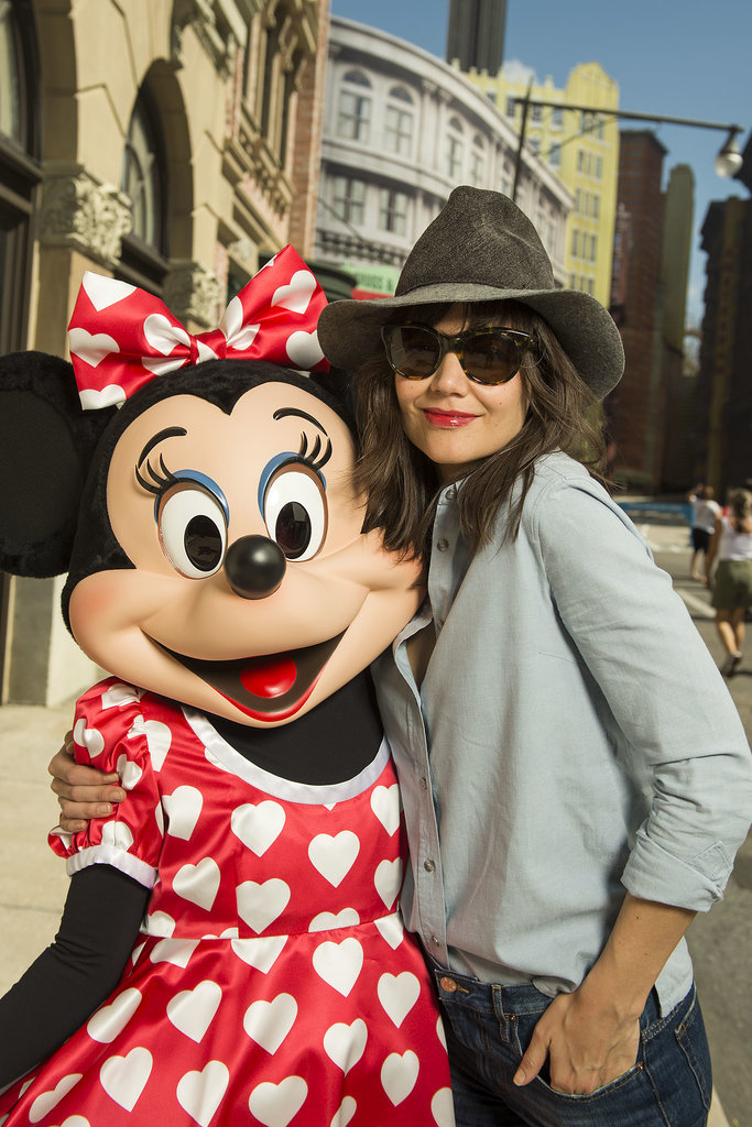 Minnie Mouse looked super psyched to see Katie Holmes at Walt Disney World on Sunday.