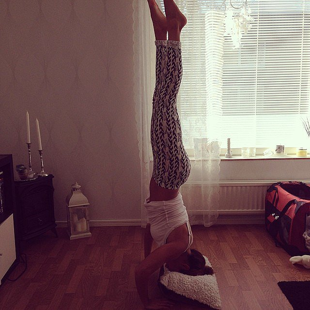 Great idea to help you with a headstand. Source: Instagram user teresalopez
