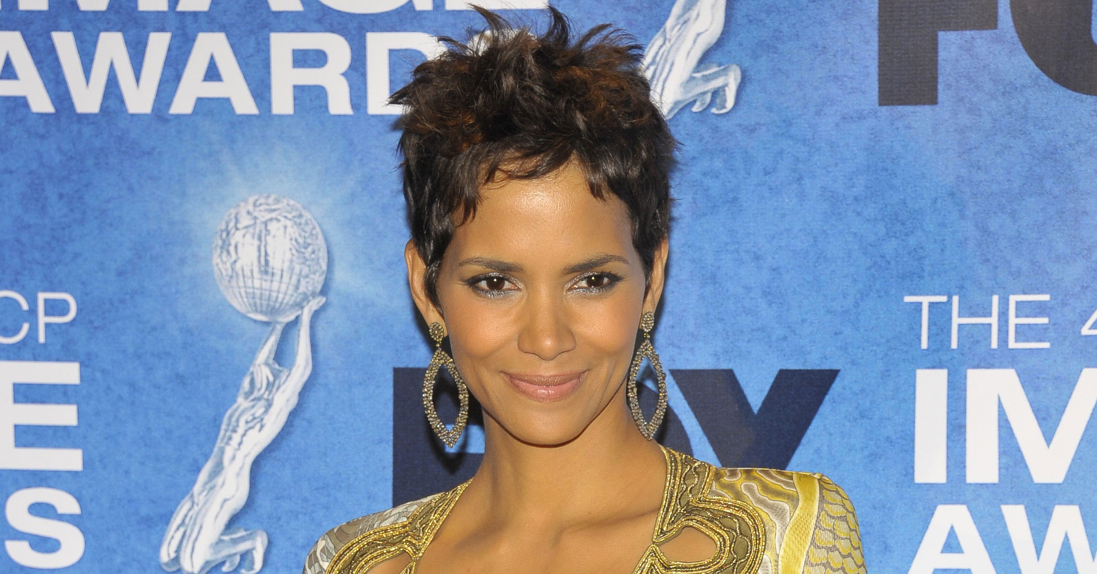 Pictures-Halle-Berry-NAACP-Awards-Riding-Motorcycle-Olivier-Martinez ...