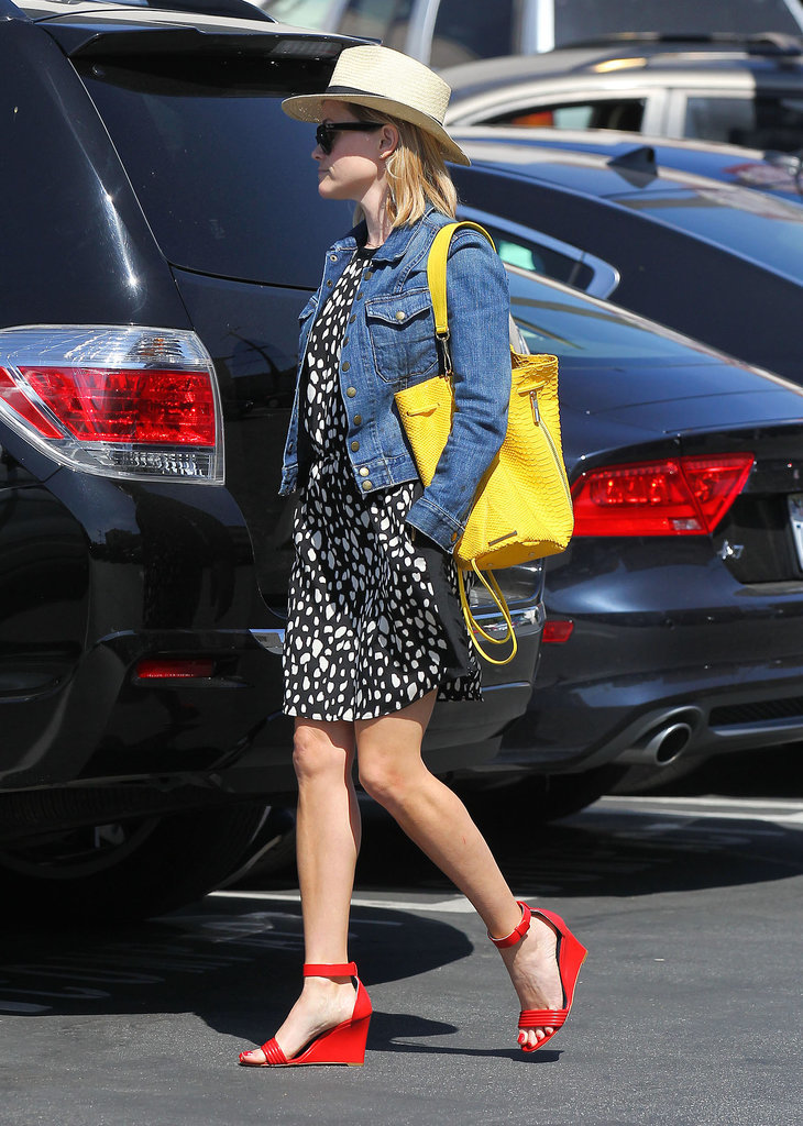 Reese Witherspoon Carrying an Elizabeth and James Bag
