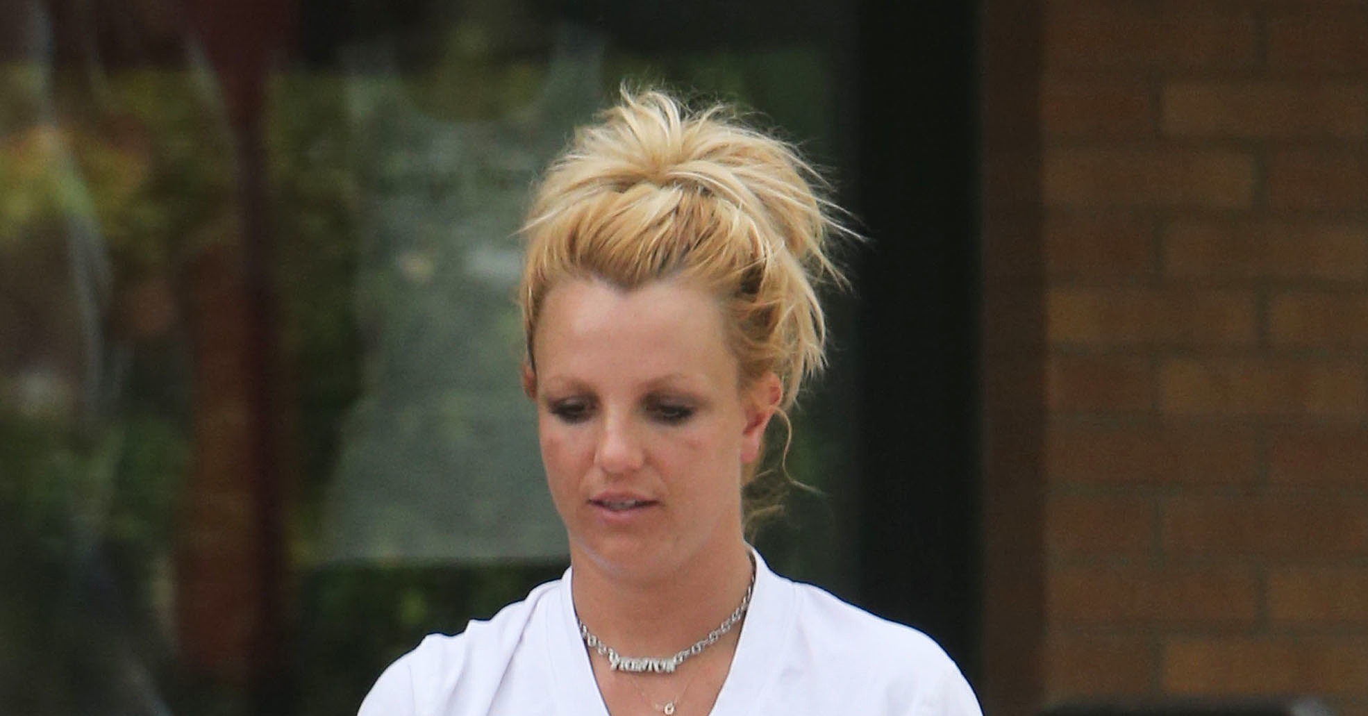 Britney-Spears-had-her-hands-full-she-left-gym.jpg